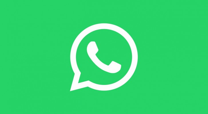 Obrázek se zeleným pozadím zobrazující logo aplikace WhatsApp