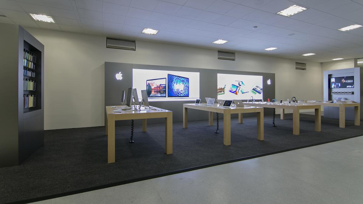 Apple zavřel ve Španělsku do odvolání obchody