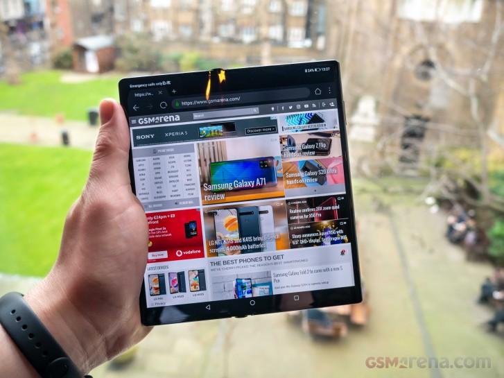 První prodej Huawei Mate Xs skončil během několika sekund
