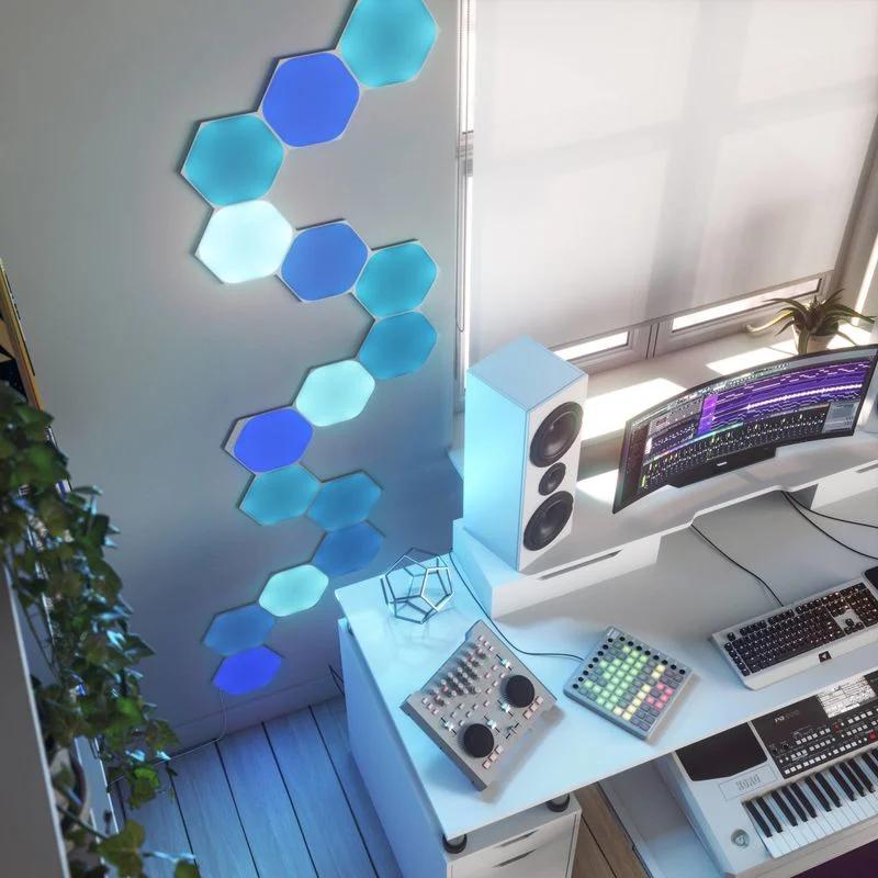 Nanoleaf  inteligentní osvětlení v modré barvě
